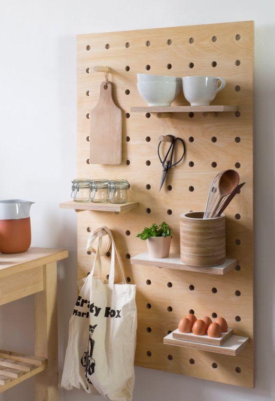 Para destacar a peças você pode optar pelo tom natural da madeira.